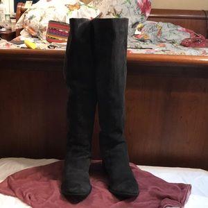Gorgeous dark Grey, Suede boots: 9.5